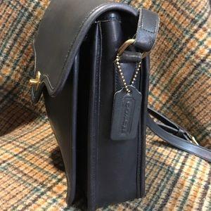 Coach Bags - Coach Vintage Black Shelton Bag